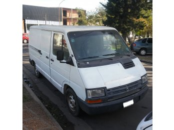 Vendo Renault Trafic larga Furgon